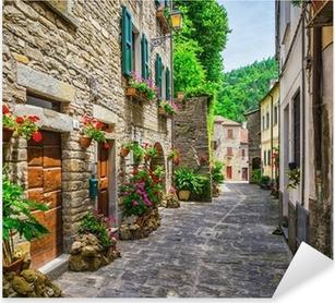 Pixerstick Sticker Italiaanse straat in een kleine provinciestad Toscaanse