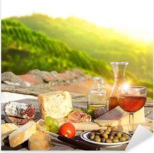 mediterrane Köstlichkeiten serviert auf Terrasse in Italien Pixerstick Sticker
