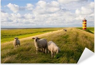Sticker Pixerstick Moutons sur Pilsumer Phare - Mer du Nord