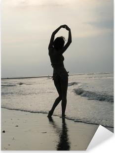 Pixerstick Sticker Ombre femme sur plage