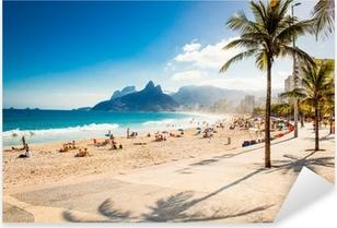 Pixerstick Sticker Palmen en Two Brothers berg op strand van Ipanema, Rio de Janeiro