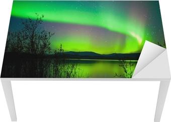 Sticker pour table et bureau Aurores boréales en miroir sur le lac