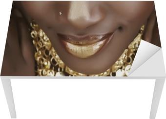 Sticker pour table et bureau Femme africaine avec de l'or