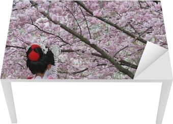 Sticker pour table et bureau Geisha et la floraison de Sakura arbre