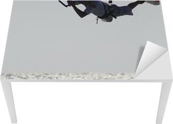 Sticker pour table et bureau Kitesurfer ci-dessus vague