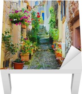 Sticker pour table Lack Ruelle Étroite et colorée in a village de Provence