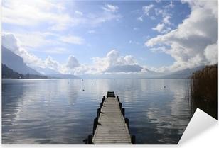 Pixerstick Sticker Rustig uitzicht op het meer van Annecy