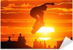 Sticker Pixerstick Saut extrême haute planche à roulettes de garçon de patineur