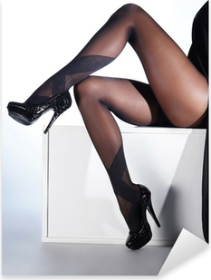 Pixerstick Sticker Sexy vrouwelijke benen in zwarte erotische kousen en hoge hakken