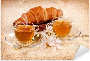 Pixerstick Sticker Tè caldo con croissant