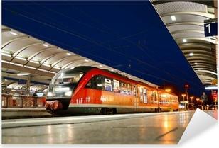 Sticker Pixerstick Train de banlieue à la gare de Kaiserslautern dans la nuit