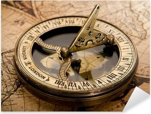 Sticker Pixerstick Vieux compas sur la carte vintage 1752