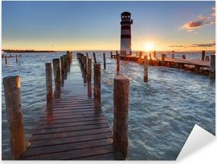 Pixerstick Sticker Vuurtoren bij Meer Neusiedl bij zonsondergang