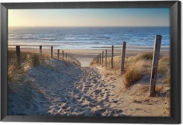 Tableau en Cadre Chemin de plage de la mer du Nord dans le soleil d'or