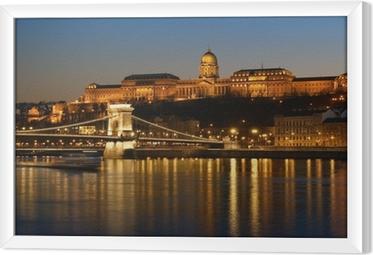 Tableau encadré Budapest la nuit.