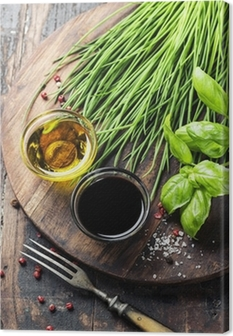 Tableau sur toile Herbes et épices sur planche de bois