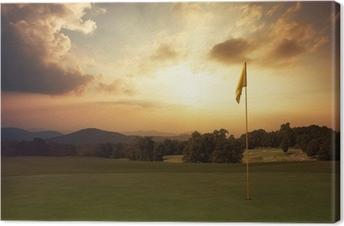 Tableau sur toile Le lever du soleil sur la montagne au terrain de golf