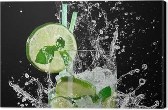Tableau sur toile Mojito cocktail sur un fond noir