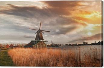 Tableau sur toile Moulins à vent traditionnels hollandais avec canal près d'Amsterdam, Holla