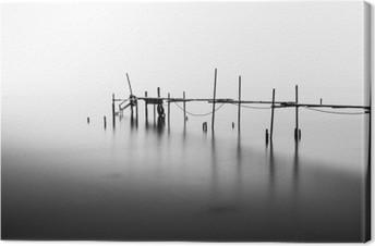Tableau sur Toile Une exposition à long d'un quai en ruines dans le milieu de la Sea.Processed en B