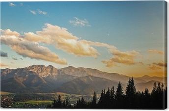Tableau sur toile Voir sur le panorama des Tatras au coucher du soleil, en Pologne.