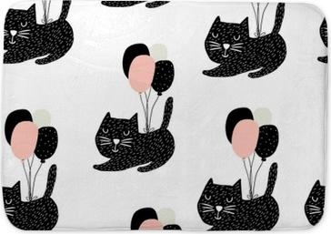 Tapis de bain Modèle enfantin sans couture avec des chats mignons battant avec ballon. arrière-plan créatif de pépinière. parfait pour les enfants design, tissu, emballage, papier peint, textile, habillement