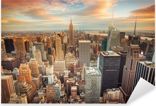 Auringonlaskunäkymä New Yorkin kaupunkilta, joka etsii Midtown Manhattanilta Pixerstick Tarra