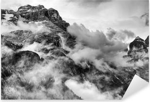 Dolomiitit vuoret mustavalkoisena Pixerstick Tarra