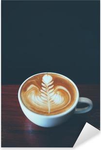 Kuppi kahvia latte taidetta kahvilassa Pixerstick tarra