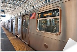 Metro juna loppupuolella ajaa Coney Island, ny Pixerstick tarra