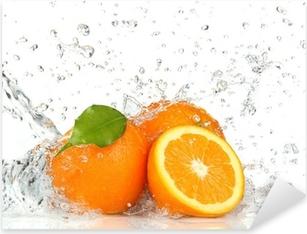 Oranssi hedelmiä ja roiskeita vettä Pixerstick tarra