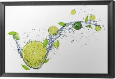 Tavla i Ram Färsk lime i vatten splash, isolerade på vit bakgrund