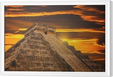 Tavla i Ram Kukulkan pyramiden i Chichen Itza Site