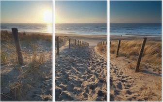 Tríptico sunshine over path to beach in North sea