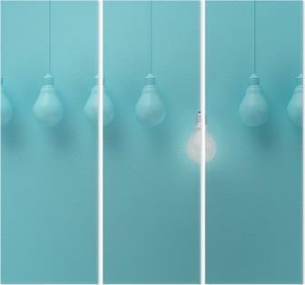 Triptych Hengende lyspærer med glødende en annen ide på lyseblå bakgrunn, Minimal konseptidee, flat lay, topp