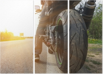 Tryptyk Motocykl na boku ulicy