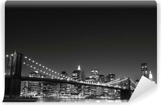 Brooklyn silta ja manhattanin horisonttiin yöllä, new york city Vinyyli valokuvatapetti