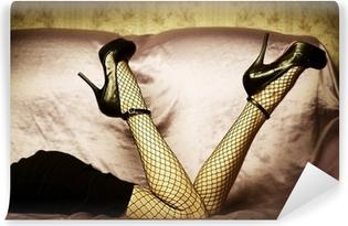 Seksikkäitä naisten jalkoja kengissä Vinyyli valokuvatapetti