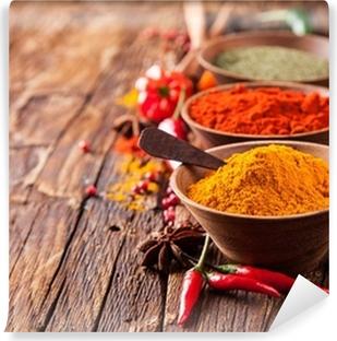 Forskellige krydderier på træ Vaskbare Fototapet