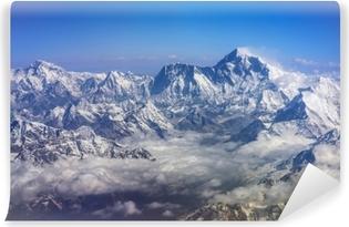 Himalaya bjerge everest og lhotse, med sne flag og skyer, udsigt fra fly Vaskbare Fototapet
