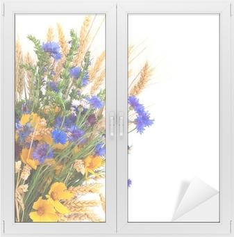 47b56dc61cd Bouquet fra ører og felt blomster isoleret på hvid baggrund Vindue og glas  klistermærke