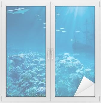 Vindu- og glassklistremerke Hav eller hav under vann med hai og senket skatter