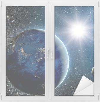 Vindu- og glassklistremerke Soloppgang over planeten og satellitter i rommet.