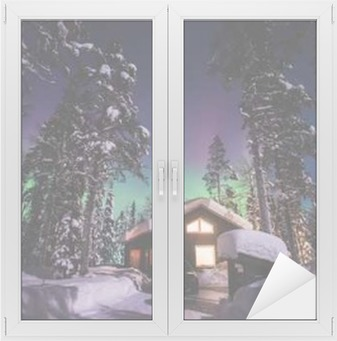 Vindu- og glassklistremerke Vakkert bilde av massiv flerfarget, grønn, levende Aurora Borealis, Aurora Polaris, også kjent som nordlys i natthimmelen over vinteren Lapplands landskap, Norge, Skandinavia