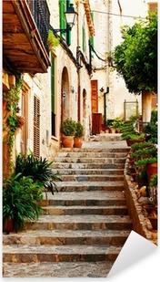 Vinilo Pixerstick Calle en el pueblo de Valldemossa en Mallorca