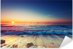 Vinilo Pixerstick La salida del sol sobre el mar