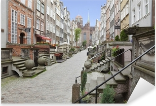 Vinilo Pixerstick Mariacka calle en el casco antiguo de Gdansk, Polonia