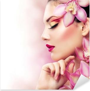 Vinilo Pixerstick Muchacha Hermosa Con Flores orquídeas. Perfecto Maquillaje