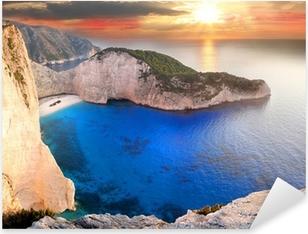 Vinilo Pixerstick Navagio Playa con naufragio en Zakynthos, Grecia