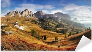 Vinilo Pixerstick Panorama de la montaña en Italia Alpes Dolomitas - Passo Gardena